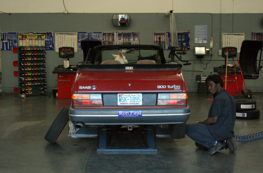 The Do's and Don'ts of Visiting an Auto Body Shop